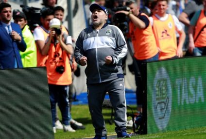 Maradona continúa siendo el DT de Gimnasia